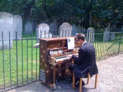 Pianoincemetry